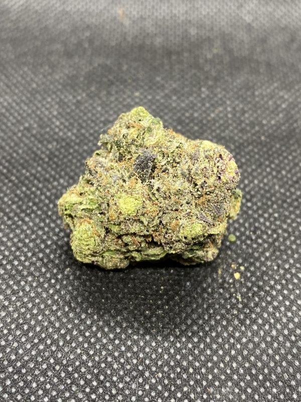 Weed strain nug showing pink crack